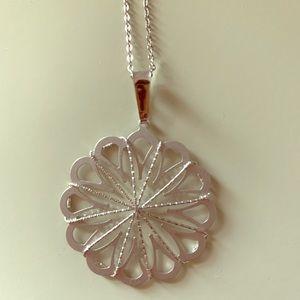 Jewelry - Beautiful dainty sterling pendant necklace